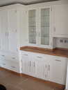 Plain White Shaker Style Kitchen with Oak Trim : View 1
